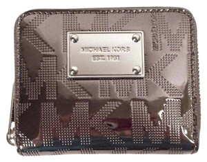 Michael Kors Signature ZA Bifold Wallet NWT Mirror Patent Leather Nickel Silver