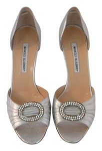 Manolo Blahnik 39 Chanel 39 Gucc 39 Silver Pumps