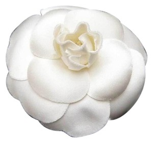 Chanel Auth CHANEL Camellia Flower Pin Brooch White Textile brooch