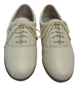 Easy Spirit Size 8.00 M (Usa) Leather Very Good Condition Light Beige Flats
