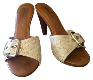Antonio Melani Buckle Leather Chic Comfortable Beige - Ivory Sandals