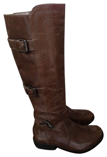 Preload https://img-static.tradesy.com/item/192006/juicy-couture-brown-buckled-bootsbooties-size-us-8-regular-m-b-0-0-540-540.jpg