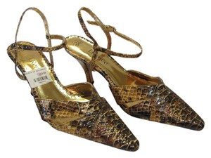 J. Renee New Reptile Design Size 10.00 Wide Excellent Condition Brown, Cream Sandals