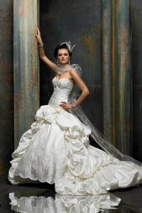 St. Pucchi 477 <21> Wedding Dress