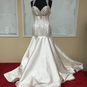St. Pucchi 9310 (22) Wedding Dress