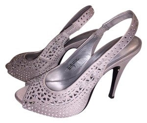 Lulu Townsend Rhinestone White & Silver with Rhinestones Pumps