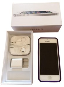Apple iPhone5 - in like new condition w/box, new ear buds; wall plug