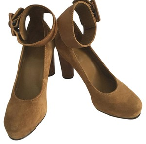 L.L.Bean caramel brown Pumps