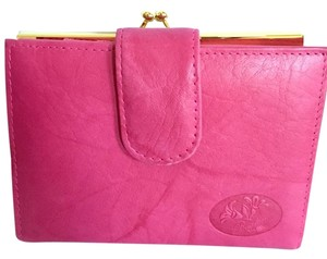 Buxton Beautiful Buxton Rose Roomy Wallet, Lots of Slots