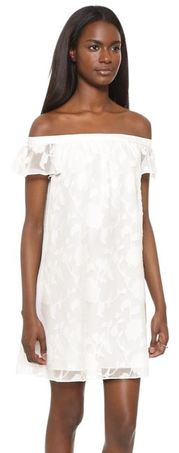 Item - White Victoria Off Shoulder Mid-length Short Casual Dress Size 2 (XS)