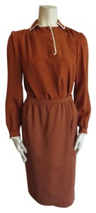Valentino valentino boutique 2pc suit size 6 dark brown or rusty, vintage