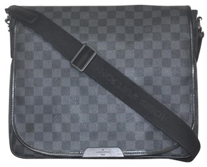 Louis Vuitton Daniel Mm grey Messenger Bag