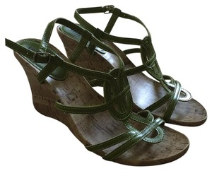 Unlisted by Kenneth Cole Green Sandals