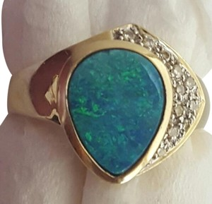 Opal and Diamond 14kgold Ring
