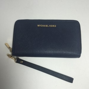 Michael Kors MICHAEL KORS LARGE JET SET PHONE WRISTLET/WALLET