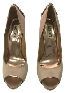 Badgley Mischka Latte Pumps