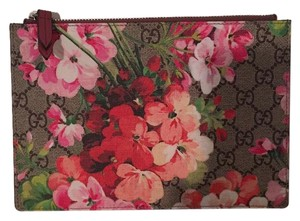 Gucci GG Blooms Pouch 410079KU2IN8693