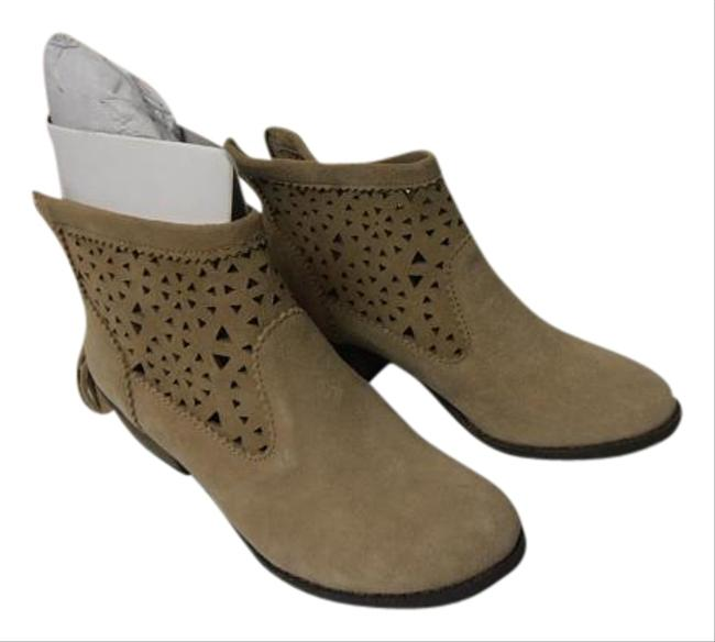 Minnetonka Tan Moccassin Ankle Suede Boots/Booties Size US 6.5 Regular (M, B) Minnetonka Tan Moccassin Ankle Suede Boots/Booties Size US 6.5 Regular (M, B) Image 1