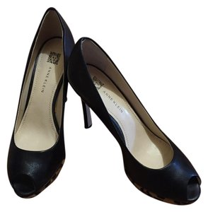 Anne Klein Black with leopard accent Pumps