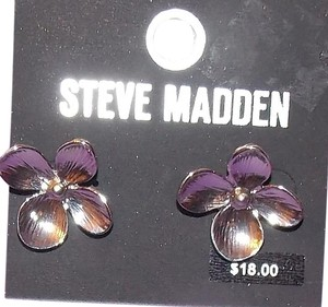 Steve Madden unknown