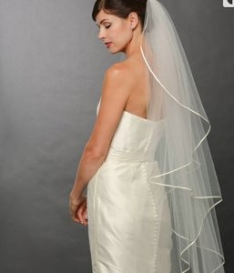 Bel Aire Bridal Cascading Veil With The Ribbon (v7250)