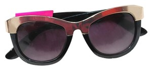 Betsey Johnson Betsey Johnson Sunglasses with Case