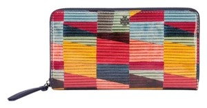 Tory Burch PRINTED PATENT ZIP CONTINENTAL WALLET