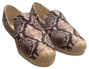 Stuart Weitzman Snakeskin pattern, primarily black,white and grey Flats