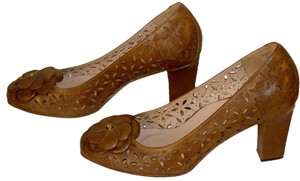 Taryn Rose brown Pumps