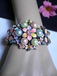 Other Women Metal Cuff Bracelet Bead Flower Butterfly Big Pearl Beads Pastel