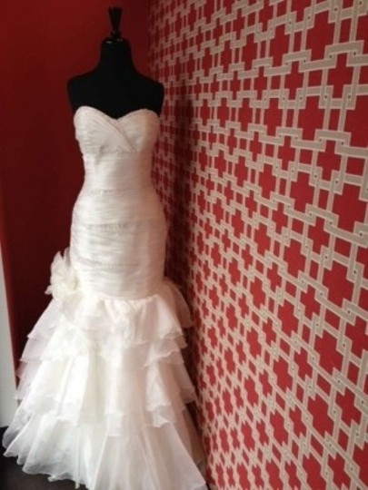 Maggie Sottero Ivory Organza Destiny Feminine Wedding Dress Size 12 (L)