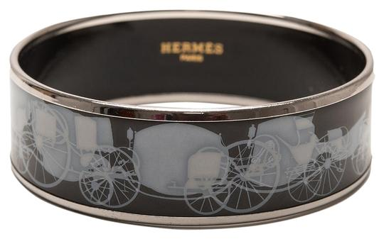 Preload https://img-static.tradesy.com/item/19253260/hermes-black-carriages-wide-printed-enamel-65-bracelet-0-1-540-540.jpg