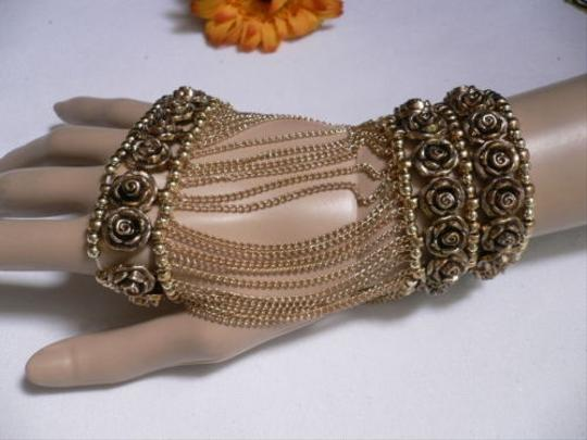 Other A Women Gold Unique Hand Chain M.j. Flowers Bracelet Big Roses Houswives Style Image 11