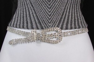 A Women Fashion Silver Rhinestones Classic Thin Metal Fashion Belt 31-37