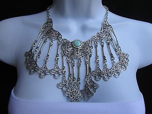 A Women Metal Plates Silver Statement Moroccan Style Fashion Necklace Handmade