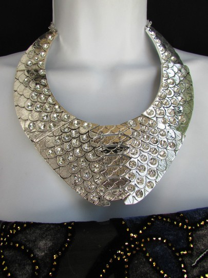 Other Women Silver Metal Plate Fashion Snake Skin Necklace Rhinestones Earrings Set