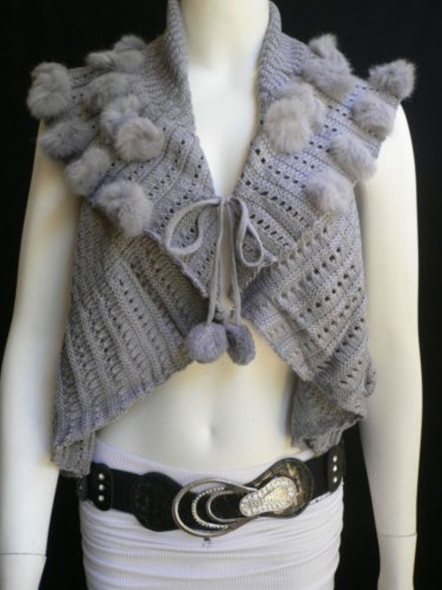 Preload https://img-static.tradesy.com/item/1925564/women-gray-trendy-knit-shawl-warm-top-faux-fun-ball-fashion-sweater-0-0-650-650.jpg