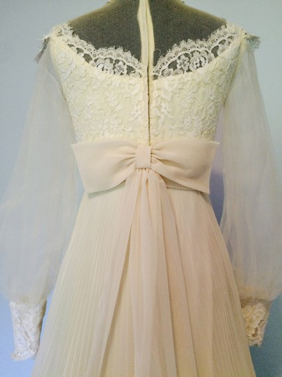Beige Lace Tailor-made Gown 1950's Vintage Wedding Dress Size 2 (XS)