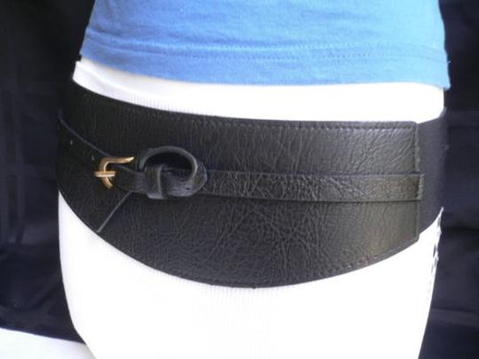 Other Women Wide Curved Black Faux Leather Belt Gold Twisted Buckle 27-37 S-m-l Image 4