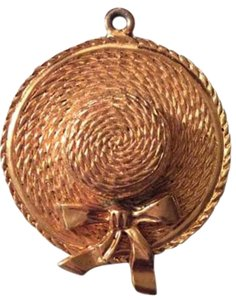 Chanel Sale ! AUTHENTIC CHANEL VINTAGE GOLD PLATED STRAW HAT CHARM