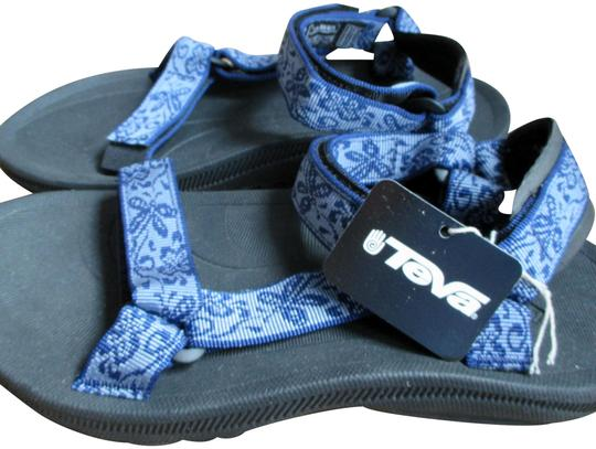 Preload https://img-static.tradesy.com/item/19257553/teva-butterfly-scene-blue-6576-sandals-size-us-7-regular-m-b-0-3-540-540.jpg