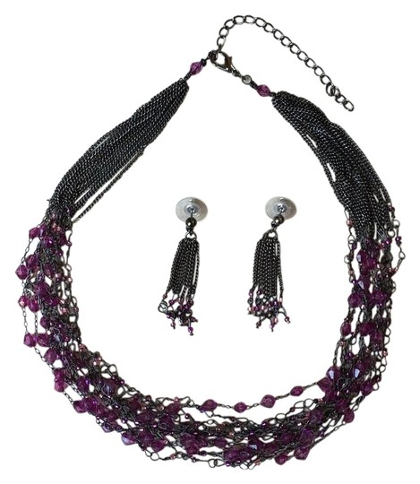 Preload https://img-static.tradesy.com/item/19258039/purple-beaded-and-earrings-set-necklace-0-1-540-540.jpg