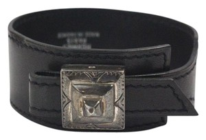 Hermès Cuff in Black Leather Etched Palladium Buckle Adjustable