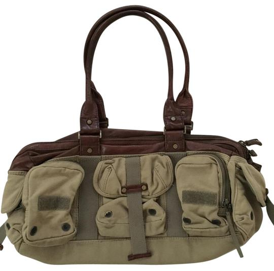 Preload https://img-static.tradesy.com/item/19258120/diesel-tan-canvasleather-weekendtravel-bag-0-1-540-540.jpg