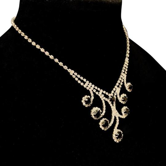 Preload https://img-static.tradesy.com/item/19258177/butler-and-wilson-black-and-white-rhinestone-signed-vintage-statement-necklace-0-1-540-540.jpg