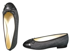 Chanel New Round Toe Classic Style Black with Black & White Flats