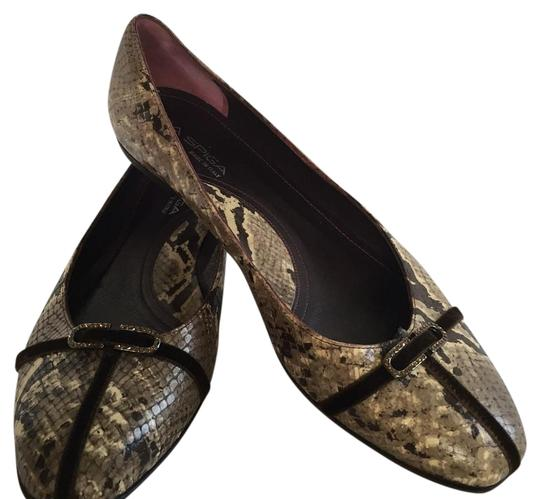Preload https://img-static.tradesy.com/item/19258999/via-spiga-gray-snake-skin-flats-size-us-9-regular-m-b-0-1-540-540.jpg