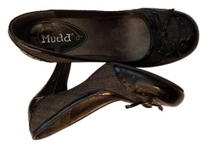Mudd Black and grey Pumps
