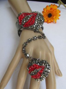 Other Women Pewter Metal Bracelet Slave Chain Heart Kiss Ring Red Lip Rhinestones