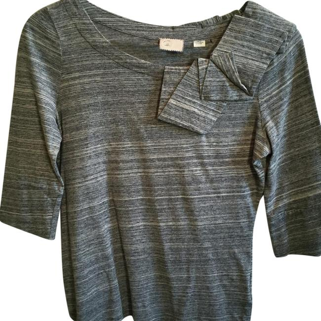 Preload https://img-static.tradesy.com/item/19259818/anthropologie-heather-grey-tee-shirt-size-0-xs-0-1-650-650.jpg